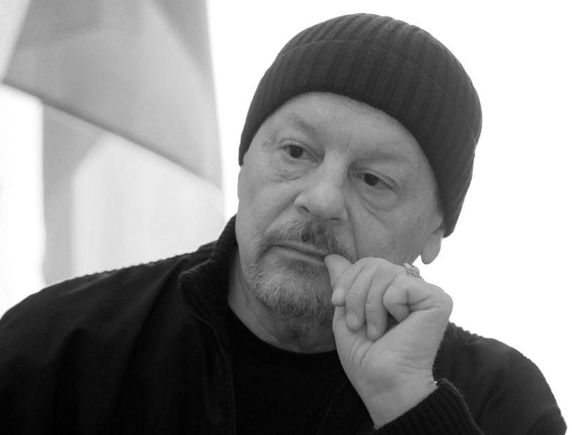 Rosyjski reżyser teatralny Aleksandr Burdonski, wnuk Józefa Stalina, zmarł w wieku 75 lat - poinformowały w środę, 24 maja, rosyjskie agencje informacyjne. Ojcem Burdonskiego był syn Stalina, Wasilij, ale reżyser używał panieńskiego nazwiska matki, Galiny Burdonskiej.