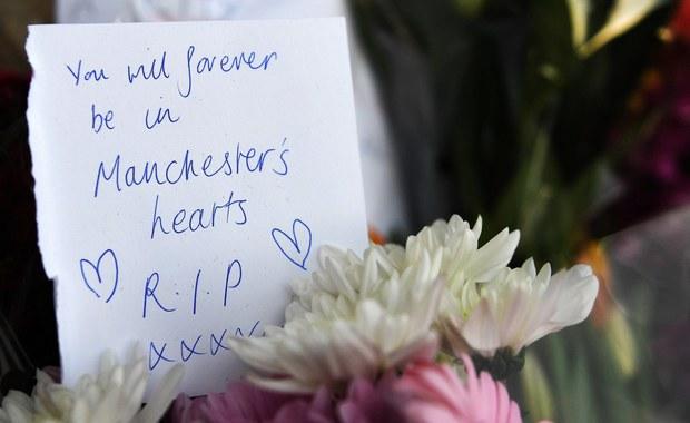 Ariana Grande chce zapłacić za pogrzeby ofiar zamachu w Manchesterze. Skontaktowała się z rodzinami zmarłych.