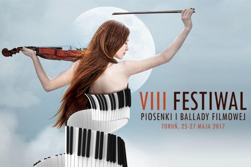 VIII edycja Festiwalu Piosenki i Ballady Filmowej rozpoczyna się w czwartek, 25 maja, w Toruniu. Impreza potrwa trzy dni. Jacy goście pojawią się na festiwalu?