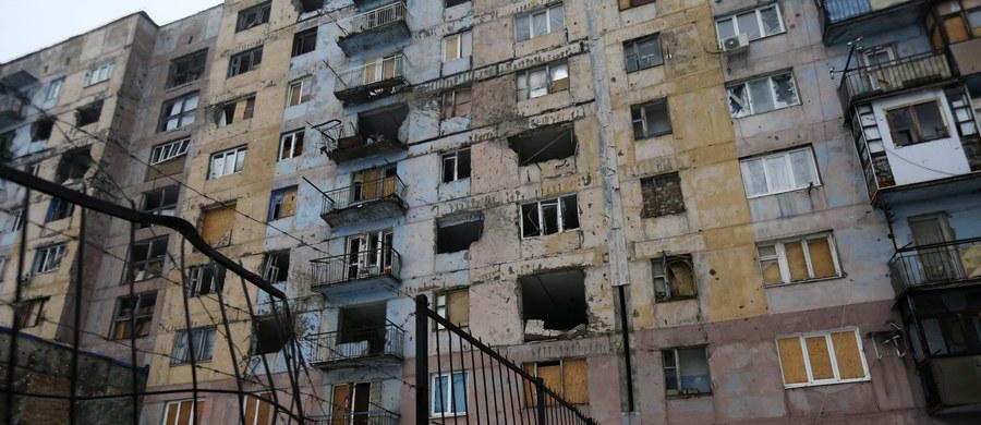 Ośmioro cywilów zostało rannych w wyniku ostrzału miasta Krasnohoriwka na zachód od zajętego przez separatystów Doniecka, na wschodzie Ukrainy - poinformowało ministerstwo obrony w Kijowie.