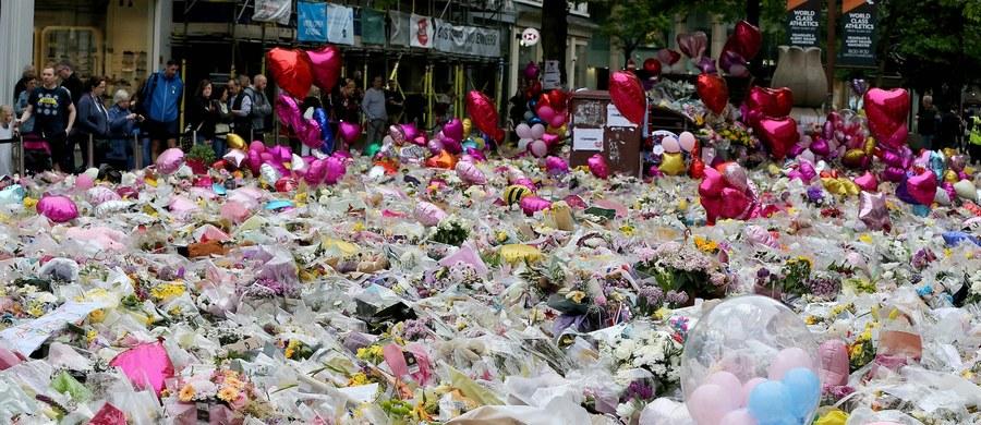 Brytyjska policja poinformowała o zatrzymaniu w Manchesterze kolejnej, dwunastej osoby w związku z niedawnym zamachem terrorystycznym. W ataku zginęły 22 osoby, a blisko 120 zostało rannych.