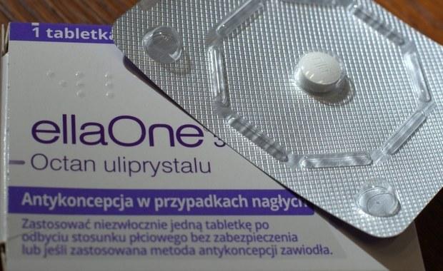 """Kobiety walczą z decyzją parlamentu ws. antykoncepcji awaryjnej. Organizacja Women on Web zaoferowała Polkom możliwość otrzymania recepty online na tabletkę """"dzień po"""". Działaczki twierdzą, że apteka ma obowiązek zrealizowania elektronicznej recepty wystawionej przez europejskiego lekarza."""