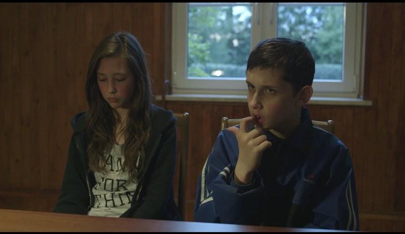 """Film dokumentalny """"Komunia"""" w reżyserii Anny Zameckiej otrzymał główną nagrodę zakończonego w Gdańsku 15. DocFilm Festival. O wyróżnienie rywalizowały 24 obrazy dotyczące godności i pracy."""