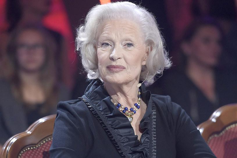 Pod koniec maja Beata Tyszkiewicz trafiła do szpitala. Aktorka miała zawał i przeszła operację, jednak czuje się coraz lepiej i niedługo opuści szpital.