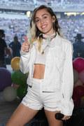 Miley Cyrus i jej zdjęcia z młodości