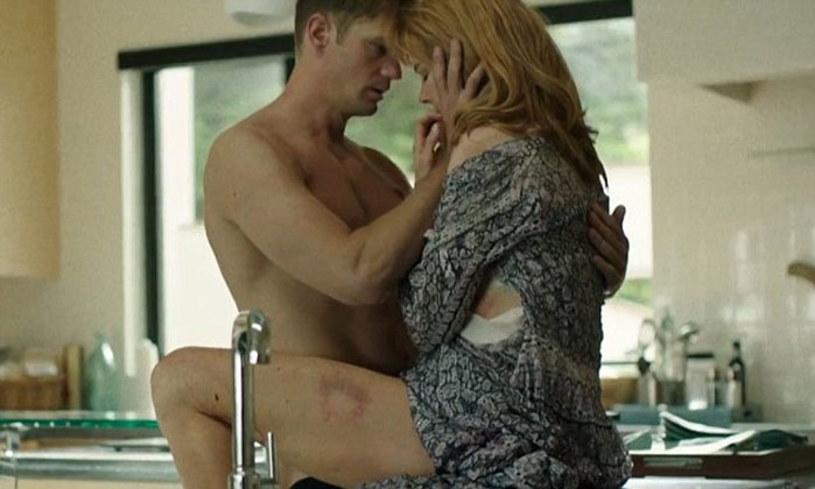 """Nicole Kidman była tak wyczerpana po pełnym emocji dniu zdjęciowym na planie serialu """"Wielkie kłamstewka"""", że po po powrocie do hotelowego pokoju wybiła w nim szklane drzwi."""