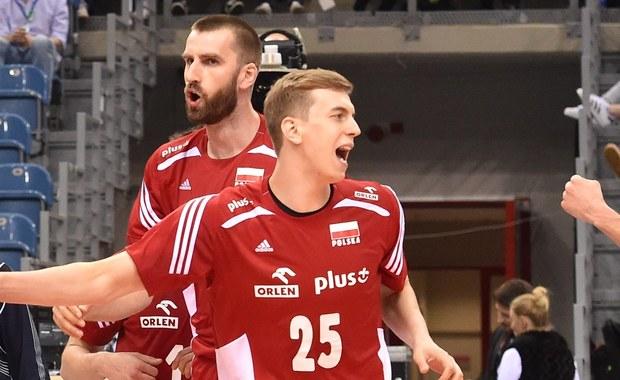 Polscy siatkarze wygrali w Warnie z Kanadyjczykami 3:1 (25:21, 27:25, 20:25, 25:19) w meczu Ligi Światowej. To trzecie zwycięstwo biało-czerwonych w tegorocznych rozgrywkach. Na koncie mają też trzy porażki.