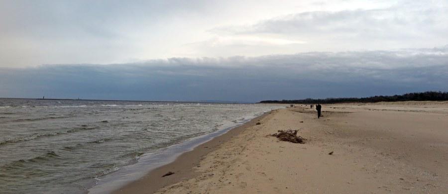 W Zatoce Puckiej trwają poszukiwania 32-letniego żeglarza, który wypadł za burtę katamaranu. Informację o akcji dostaliśmy na Gorącą Linię RMF FM.