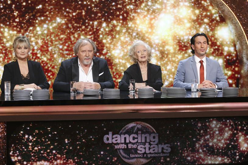 """Czy wiosenna edycja """"Dancing with the Stars. Taniec z Gwiazdami"""" była ostatnią odsłoną show Polsatu? Stacja nie podjęła jeszcze decyzji w sprawie produkcji kolejnej części tanecznego programu - dowiedziała się nieoficjalnie Interia."""