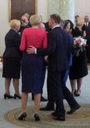 Subtelne oznaki miłości Andrzeja Dudy i Agaty Kornhauser-Dudy podczas uroczystości powołania nowych ministrów w Kancelarii Prezydenta.