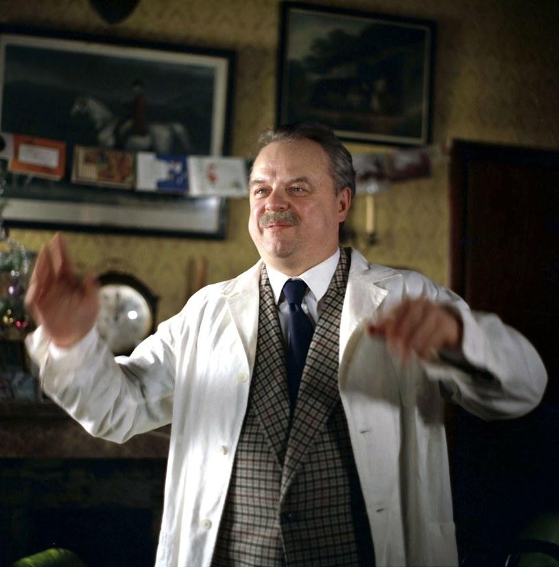 """- Jeśli milion osób obejrzy mój film, to mamy dwa miliony śmiechogodzin - powiedział niegdyś Stanisław Bareja w wywiadzie dla Polskiego Radia. W środę, 14 czerwca, mija 30. rocznica śmierci twórcy legendarnego """"Misia""""."""