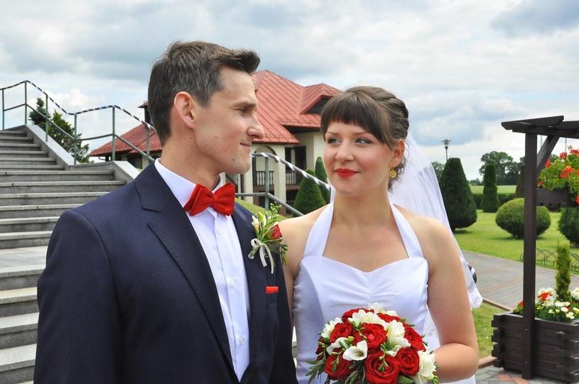 """Kolejna para z produkcji TVP """"Rolnik szuka żony"""" już po ślubie. Tym razem sakramentalne """"tak"""" powiedzieli sobie przed ołtarzem Kasia i Dawid, bohaterowie trzeciej edycji programu."""