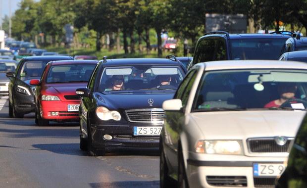 Przed przejściem granicznym w Zgorzelcu, na autostradzie A4, utworzył się korek o długości 15 km. Sytuacja ta wynika z tymczasowego przywrócenia kontroli na granicach Niemiec w związku ze szczytem G20, który w dniach 7-8 lipca  odbędzie się w Hamburgu. Wiceminister spraw wewnętrznych i administracji Jakub Skiba zwrócił się do landowego premiera Brandenburgii o usprawnienie kontroli granicznych.