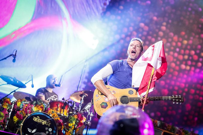 Pięć lat na powrót Chrisa Martina ze swoją załogą czekali polscy fani. Po dzisiejszym koncercie na PGE Narodowym w Warszawie najwierniejsi sympatycy będą mieli tak dużo wspomnień, że spokojnie na następny koncert wytrzymaliby kolejne pół dekady.