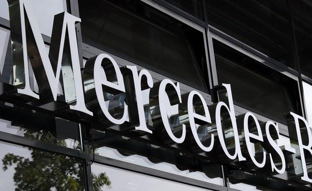 Niemiecki koncern Daimler AG rozpoczyna w Jaworze na Dolnym Śląsku budowę fabryki Mercedes-Benz. Inwestycja warta jest ok. 500 mln euro. W fabryce będą produkowane czterocylindrowe silniki do aut osobowych.