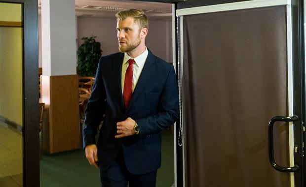 Zaplanowana na poniedziałek obrona pracy doktoranta prof. Lecha Morawskiego po raz drugi nie odbyła się. Powodem była nieobecność promotora pracy - sędziego Trybunału Konstytucyjnego. Morawski oświadczył, że jego nieobecność to efekt dyskredytującej go uchwały WPiA UMK w Toruniu.