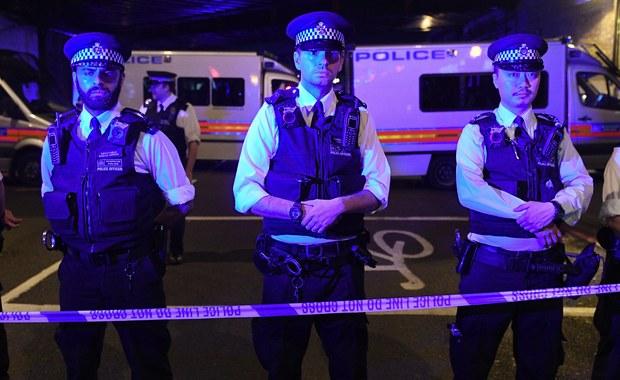 48-letni Darren Osborne z Cardiff w Walii to sprawca zamachu, do którego doszło w nocy przed meczetem w Londynie. Mężczyzna wjechał dostawczym samochodem w grupę muzułmanów wracających z modłów w meczecie.