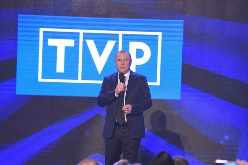 """Muzyczno-dokumentalny cykl """"Discopoland"""" oglądało średnio 520 tys. osób. TVP2 w czasie emisji programu wypadła najsłabiej w rynku telewizyjnym wśród tzw. """"wielkiej czwórki"""". Wpływy z reklam wyniosły 2,39 mln zł."""