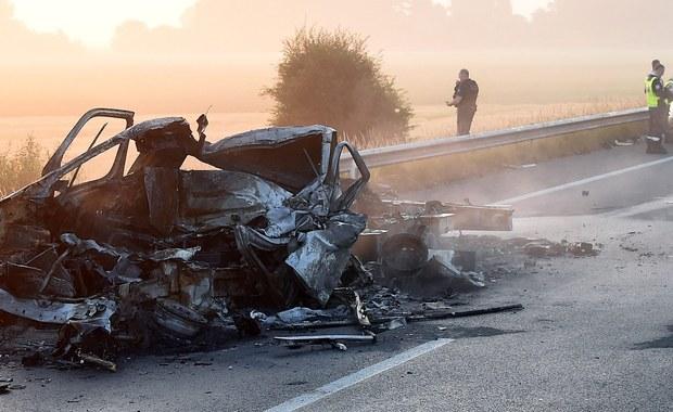 Koniec taryfy ulgowej dla łamiących prawo uchodźców w rejonie Calais - zapowiada szef francuskiego MSW Gerard Collomb. To jego reakcja po tragicznym wypadku, w którym zginał kierowca zarejestrowanej w Polsce furgonetki.