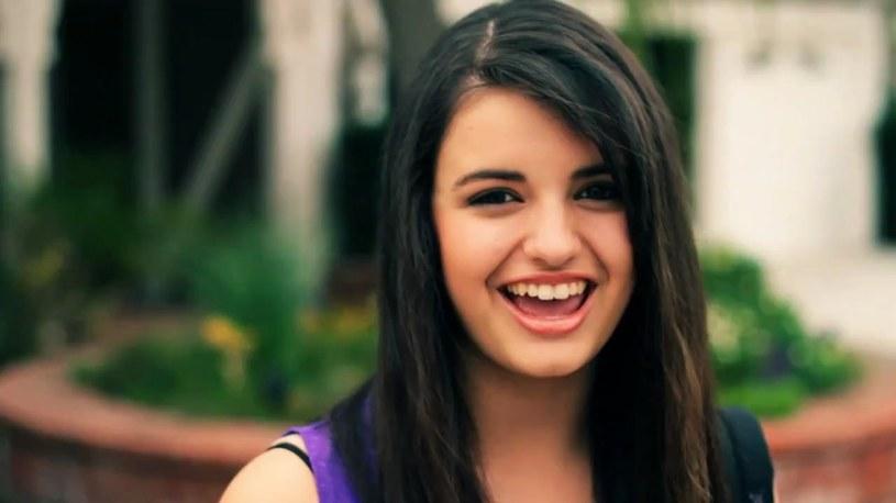 """Gdy miała 13 lat stała się pośmiewiskiem sieci za sprawą utworu """"Friday"""". Teraz stara się zacząć karierę od nowa i przekonać niedowiarków, że naprawdę potrafi śpiewać. Rebecca Black kończy dziś (21 czerwca) 20 lat."""