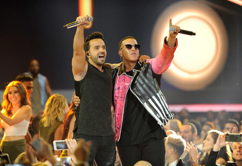 """Już ponad 2,1 miliarda odsłon ma teledysk """"Despacito"""" w wykonaniu Luisa Fonsiego i Daddy Yankee. W takim tempie może stać się najpopularniejszym klipem jeszcze przed końcem wakacji."""