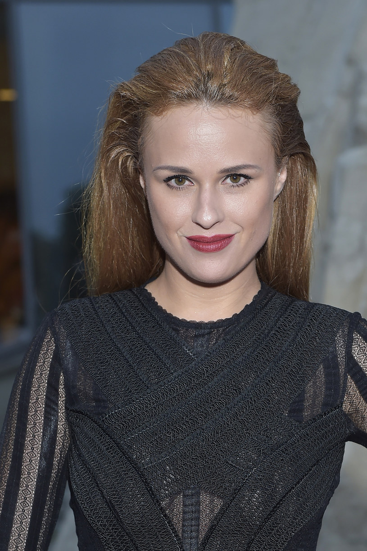 """Jak przyznaje, przywiązała się do swojej serialowej bohaterki w """"Klanie"""". Jednak zawodową przyszłość wiąże ze śpiewem. - To moja pasja - mówi Kaja Paschalska."""