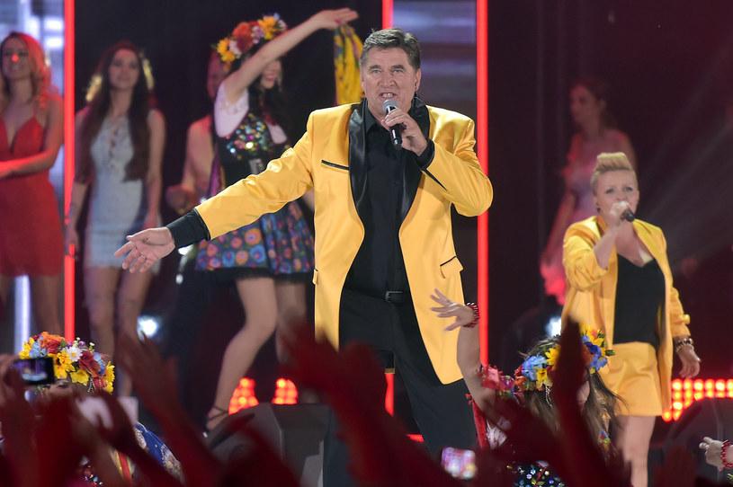 Ponad 2,5 mln widzów przyciągnęła gala z okazji 25-lecia disco polo, pokazana przez TVP2 w niedzielę (25 czerwca). Na stadionie Polonii Warszawa wystąpiły największe gwiazdy gatunku, jak m.in. Akcent z Zenkiem Martyniukiem, Bayer Full, Boys, Weekend czy Shazza.