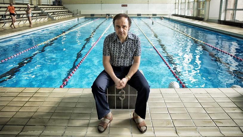 """Arkadiusza Jakubika zobaczymy w nowym filmie Łukasza Palkowskiego. W """"Najlepszym"""", opowieści o Polaku, który ustanowił rekord świata w triathlonowych mistrzostwach świata, Jakubik wcieli się w trenera pływania, przyjaciela głównego bohatera."""