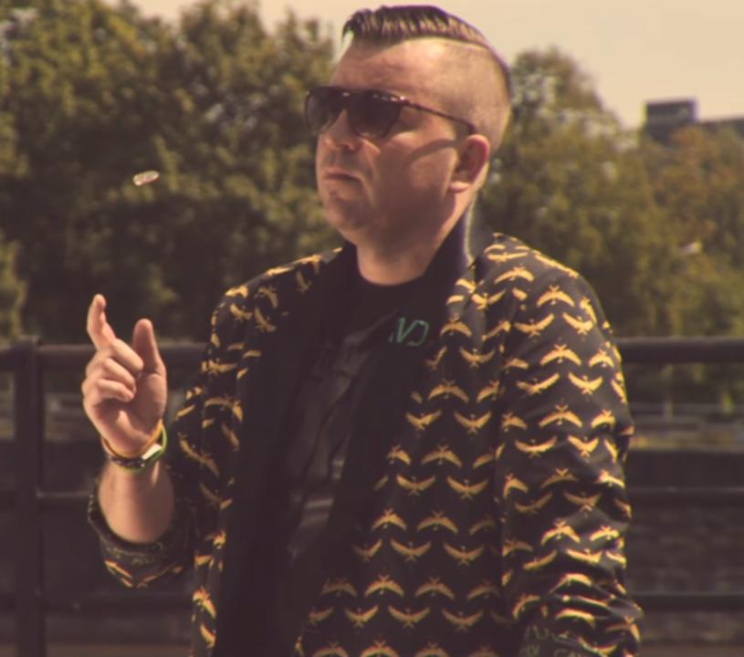 """Poniżej możecie zobaczyć teledysk """"In The Dark"""" polskiego DJ-a i producenta Krista Van D."""