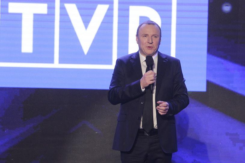 Najwcześniej w przyszłym tygodniu Rada Mediów Narodowych zajmie się wnioskiem Pawła Kukiza o odwołanie prezesa TVP Jacka Kurskiego. Chodzi o zamieszanie związane z organizacją Festiwalu w Opolu.