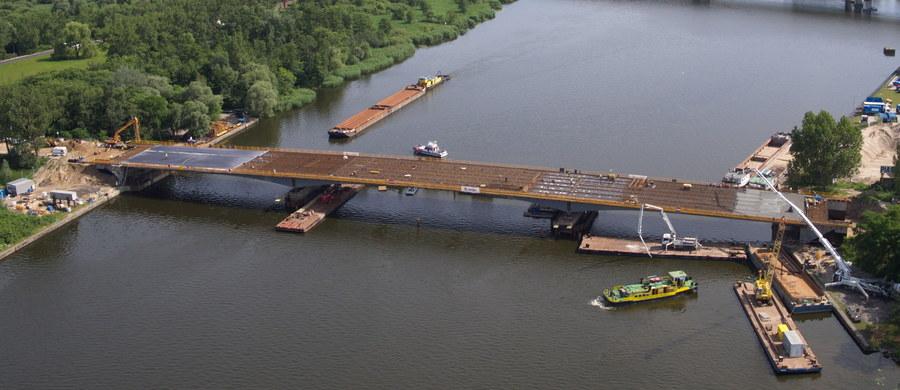 Rozpoczęło się etap betonowania szczecińskiego Mostu Cłowego. Przeprawę trzeba było rozebrać i zbudować na nowo. Stary most dosłownie się rozsypał.