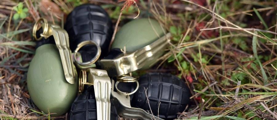 """Znaczne ilości broni, w tym granatniki, ładunki wybuchowe oraz granaty, zostały wykradzione z magazynu w bazie wojskowej w Tancos w środkowej Portugalii. Minister obrony tego kraju Jose Azeredo Lopes stwierdził, że """"przypadek jest poważny"""". Jak ustaliły w piątek portugalskie media, ułatwieniem w okradzeniu placówki był fakt, że systemu monitoringu nie działał tam od dwóch lat."""