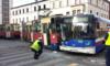 Bydgoszcz. Zderzenie autobusu i tramwaju. Pięcioro poszkodowanych