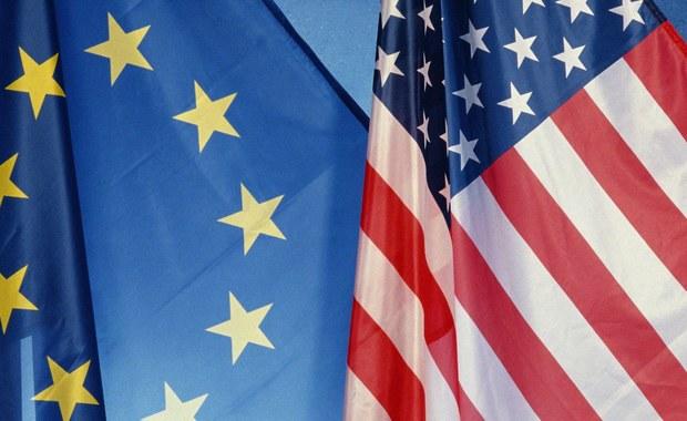 Mieszkańcy państw UE za najbardziej wpływowe państwo lub instytucję świata uważają Stany Zjednoczone, a Unię plasują z reguły daleko za Chinami i Rosją - wynika z badania przeprowadzonego we wszystkich państwach Unii na zlecenie węgierskiego ośrodka Szazadveg.