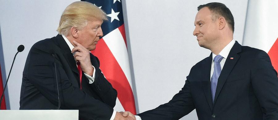 """Wizyta prezydenta USA Donalda Trumpa w Warszawie była sygnałem dla liderów zachodnioeuropejskich - ocenia rosyjski dziennik """"Kommiersant"""". Gazeta podkreśla, że wystąpienie w Warszawie było pierwszym publicznym przemówieniem Trumpa do mieszkańców UE."""