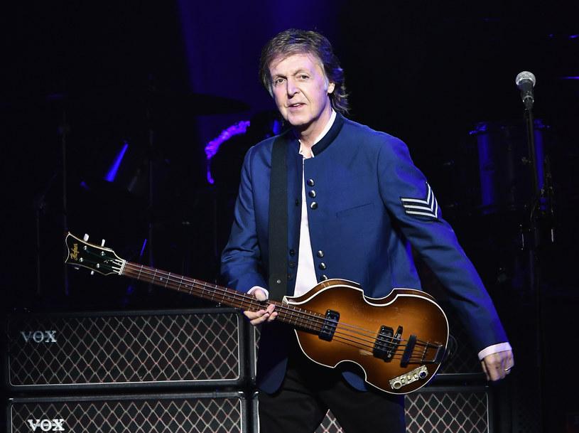 """Wszyscy znają refren słynnego przeboju Beatlesów """"She Loves You - yeah, yeah, yeah"""". Niewiele brakowało, a brzmiałby on nieco inaczej. Zmianę proponował Paulowi McCartneyowi jego ojciec James """"Jim"""" McCartney."""