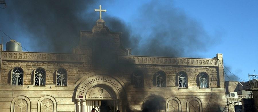 """""""Niemożliwy powrót chrześcijan do Mosulu"""" - pod takim tytułem francuski dziennik """"Le Monde"""" publikuje we wtorek dramatyczne świadectwa chrześcijan w Iraku. Katolicka gazeta """"La Croix"""" zaznacza, że """"nikt nie wie, czy chrześcijanie wrócą do Mosulu""""."""
