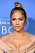 """Zmysłowa Jennifer Lopez w nowym teledysku """"Ni Tu Ni Yo"""""""