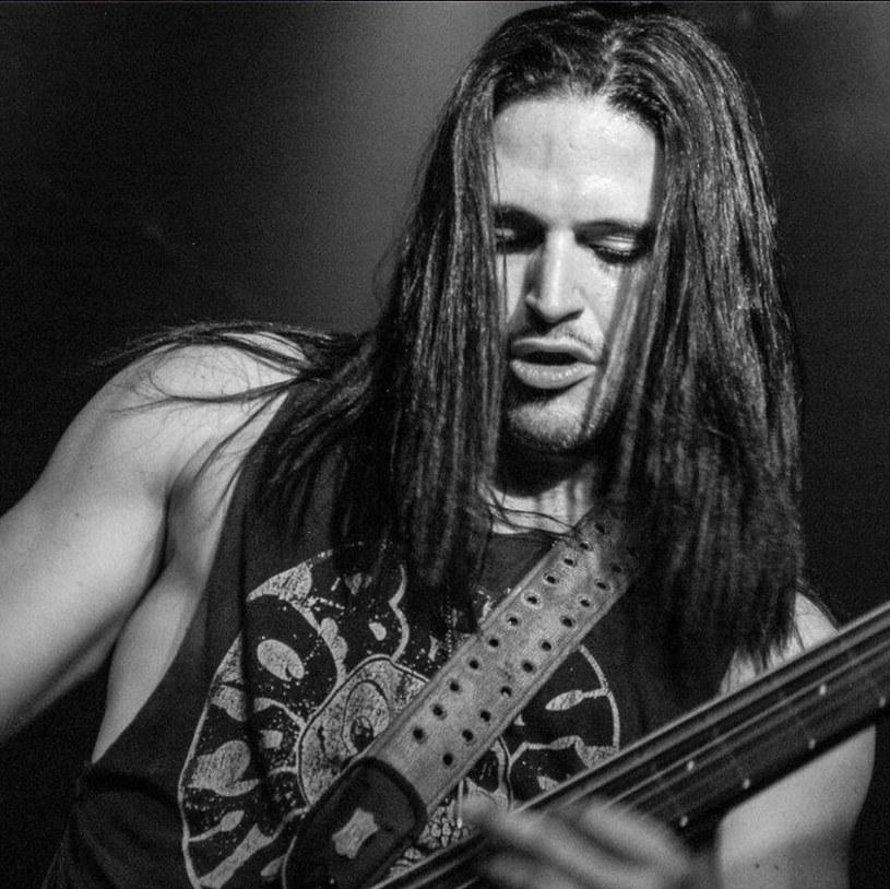 """""""Dosłownie doświadczyliśmy piekła na ziemi"""" - tak komentuje zdruzgotany Mike Orlando, gitarzysta grupy Adrenaline Mob, tragiczny wypadek, w którym zginął basista tej heavymetalowej formacji - David Zablidowsky."""