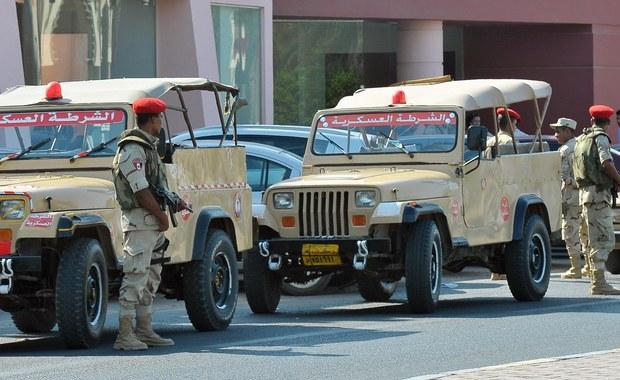 Egipski student, który w piątek zaatakował nożem turystów w Hurghadzie, zabijając dwie Niemki, powiedział w trakcie przesłuchania, że jest wyznawcą ideologii dżihadyzmu - pisze w sobotę AFP, powołując się na źródła sądowe i służby bezpieczeństwa Egiptu. Według rozmówców AFP, mężczyzna przyznał się do tego wkrótce po zatrzymaniu.