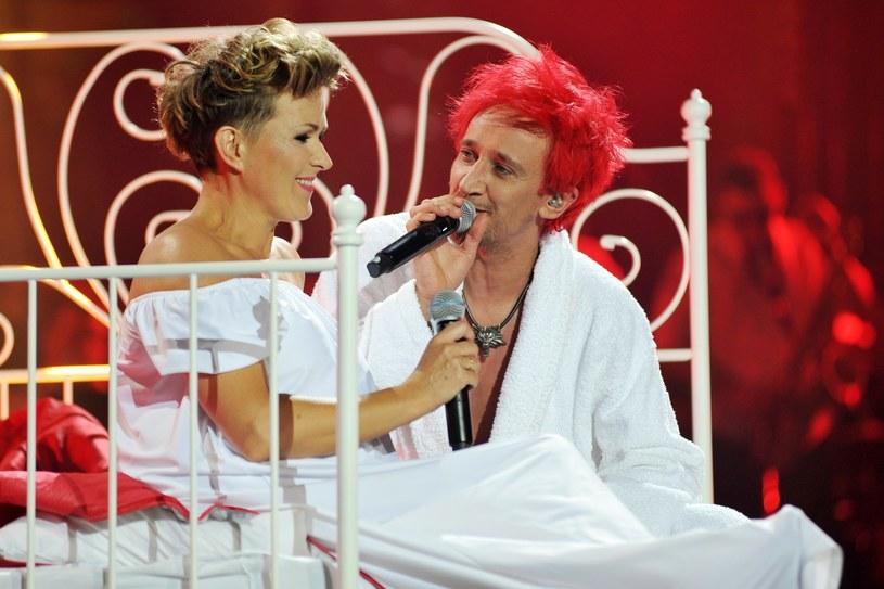 Justyna Majkowska zasłynęła jako wokalistka Ich Troje. W zespole śpiewała w okresie jego największej świetności. Gdy odeszła, i o formacji, i o samej Majkowskiej zaczęło być coraz ciszej. Co stało się z wokalistką?