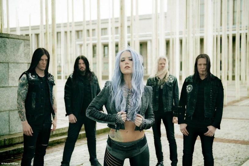 Pochodząca ze Szwecji grupa Arch Enemy oddała w ręce fanów nowy singel.