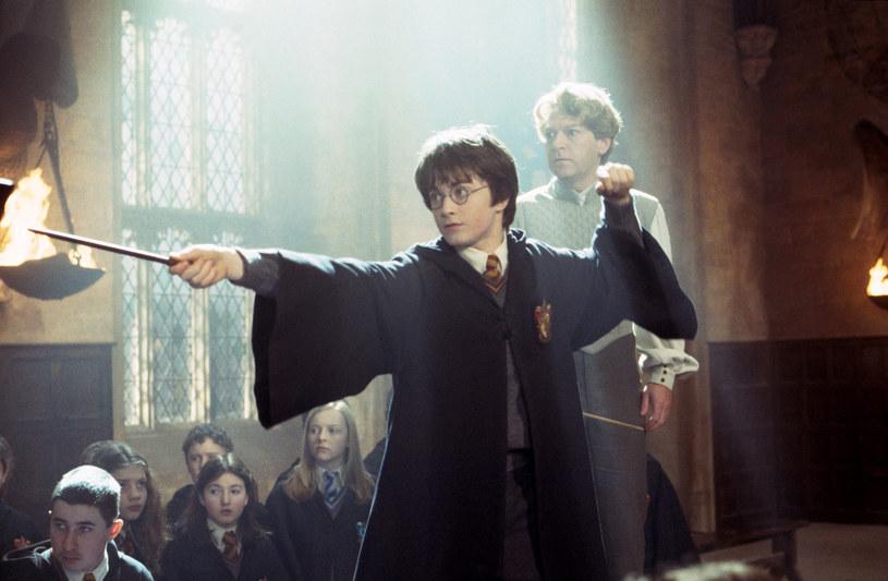"""Dobra wiadomość dla wszystkich fanów Harry'ego Pottera! W październiku w pięciu miastach w Polsce odbędę się koncerty symfoniczne """"Harry Potter i Komnata Tajemnic in Concert""""."""