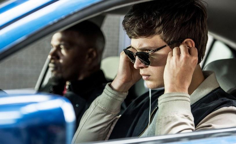 """Chociaż jego kariera dopiero się rozwija, już może pochwalić się kilkoma rolami w popularnych produkcjach, a po premierze filmu """"Baby Driver"""" o Anselu Elgorcie zrobiło się naprawdę głośno. Młody gwiazdor rozwija jednak nie tylko talent aktorski, ale także muzyczny."""