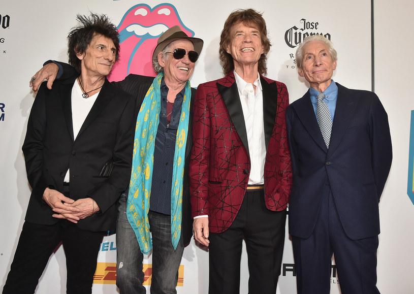 Gitarzysta The Rolling Stones Keith Richards ujawnił, że słynny brytyjski zespół pracuje nad nowym albumem. Powiedział to po ujawnieniu zdjęcia, przedstawiającego brytyjskiego rapera Skepty w studiu nagrań razem z legendarnym zespołem.