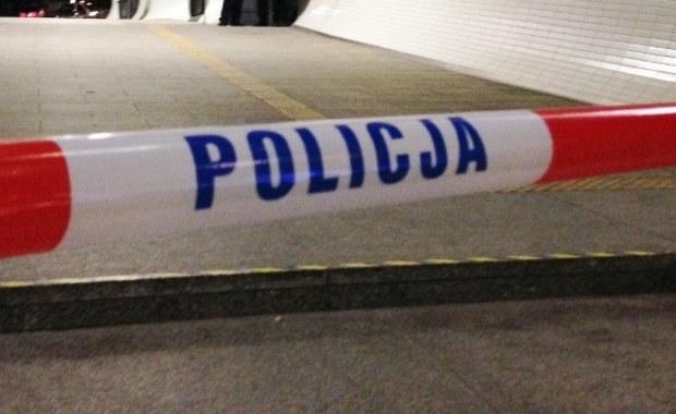 Tragedia w Rzeszowie. Nad ranem w centrum miasta na chodniku znaleziono poparzonego mężczyznę. Według wstępnych ustaleń chciał on popełnić samobójstwo.