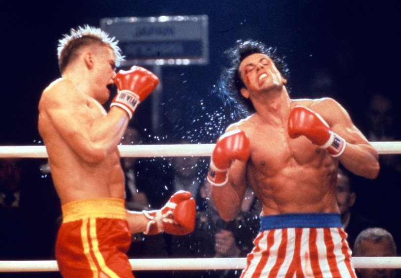 """Amerykański bokser Rocky Balboa, grany przez Sylvestra Stallone'a, znów spotka się na ekranie z Ivanem Drago. W kontynuacji filmu """"Creed: Narodziny legendy"""" rolę sowieckiego boksera ponownie zagra amerykański aktor szwedzkiego pochodzenia Dolph Lundgren."""