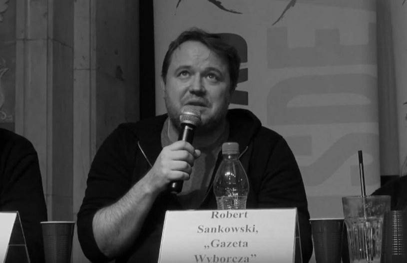 """W poniedziałek, 7 sierpnia, w wieku 48 lat zmarł Robert Sankowski. Dziennikarz muzyczny """"Gazety Wyborczej"""" przegrał walkę z nowotworem."""