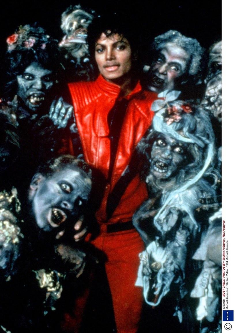 """Na festiwalu filmowym w Wenecji zaprezentowana zostanie wersja 3D kultowego clipu """"Thriller"""" zmarłego w 2009 r. Michaela Jacksona. Teledysk pokazany będzie wraz z filmem dokumentalnym, ukazującym kulisy pracy nad nim. Poinformowali o tym w poniedziałek, 7 sierpnia, spadkobiercy artysty."""