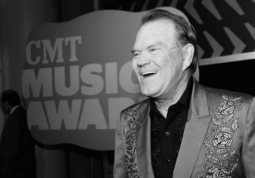 We wtorek (8 sierpnia) w wieku 81 lat zmarł country'owy muzyk Glen Campbell. W 2011 r. wykryto u niego chorobę Alzheimera.